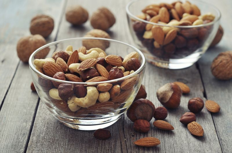 Аллергия на орехи: причины, симптомы, лечение